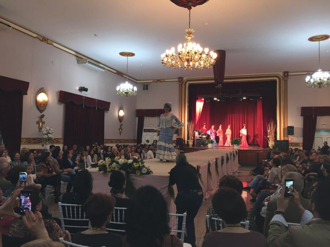 Desfile de moda flamenca